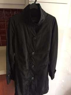 Smart plus-sized black trench coat