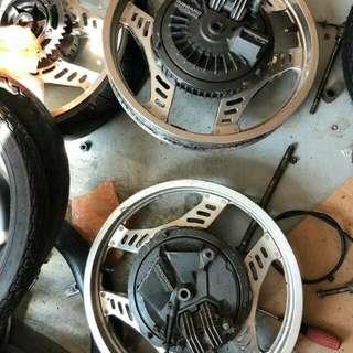 Sepasang rim mbx400