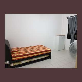 Central - Tiong Bahru - Huge common room for professional housemate