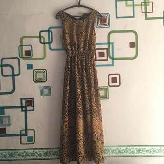 CLEARANCE - Long Dress Motif Floral Camel