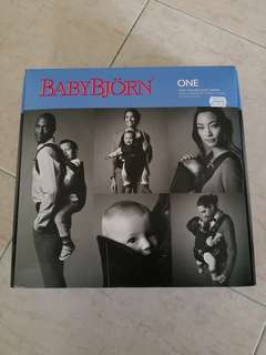 BABYBJORN Carrier One (Black)