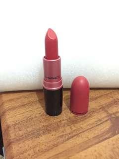 Mac lipstick (Ruby woo)