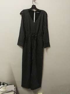 Strip open shoulder jumpsuit