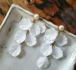 Heide White Petal Drop Earrings