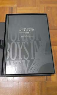 Super junior Boys in City 4 Paris