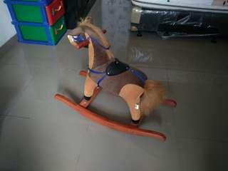 Kuda kudaan rocking
