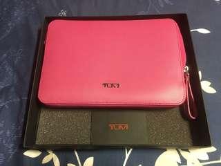 🚚 TUMI IPad mini 包包 買一陣子沒在用,外觀保存好,無刮傷