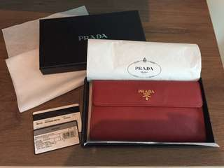 Prada Wallet (100% Authentic)