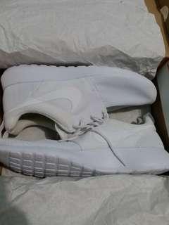 Nike roshe one all white original