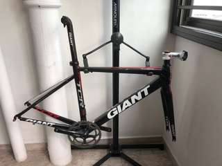 Giant TCR Alliance carbon frame for sale