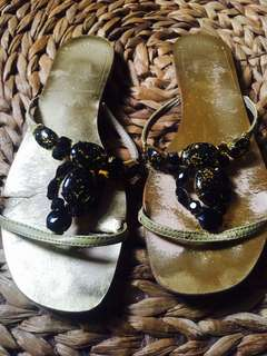 Sandal gold