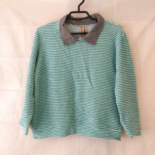 K-style sweater with collar
