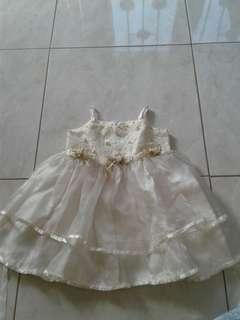 Gaun bayi 6bulan
