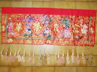 Vintage tapestry with fine and intricate workmanship