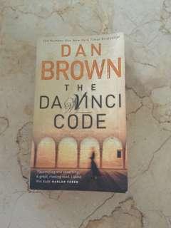 Novel THE DA VINCI CODE by DAN BROWN