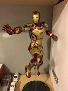 Hottoys Ironman Mark 42 Power Pose