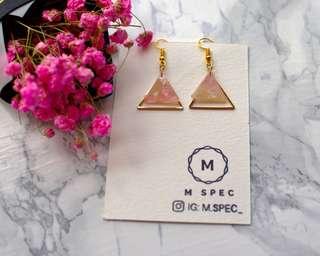 <Pretty in Pink> 粉紅三角形耳環
