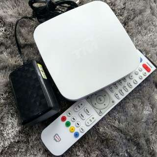 Android TV Box (200+ channel + million movie)