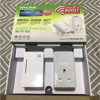 TP-Link Wifi Extender AV600 Powerline Wi-Fi Kit