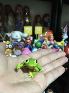 Small kermit the frog figure
