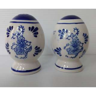 Handmade Delft blue pepper & salt