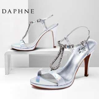 🚚 Daphne/達芙妮夏季新款涼鞋超高跟水鑽一字扣露趾女涼鞋清倉特價 挑戰最低價 任選3雙免運費