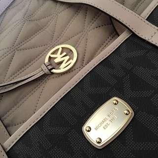 Michael Kors Multifunctional Tote Bag