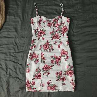 H&M Red White Floral Bustier Sweetheart Neckline Bodycon Dress