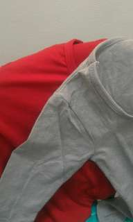 Kaos Polos Lengan Panjang warna merah dan abu