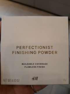 H&M illuminating