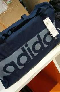 Adidas dufflebag