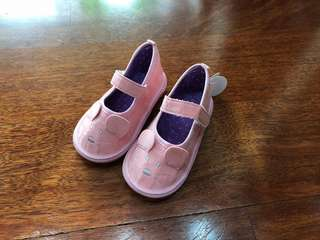 Baby girl Beep beep shoes. Condition: and NEW. Size: EU22/US6