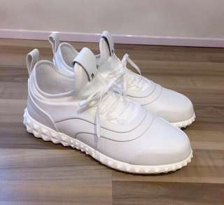 Valentino 白鞋 新貨加單入貨 有盒 Size:39.5 Real and New