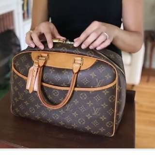 (Reserved) Louis Vuitton LV