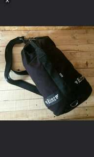 Duffle bag (tas kanvas)