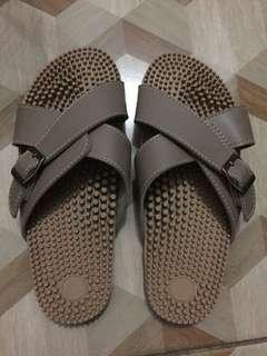SM's Acusole Khaki Slippers