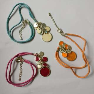 Necklace, bracelet, earrings and hairclip 頸鏈,耳環,手鍊,髮夾