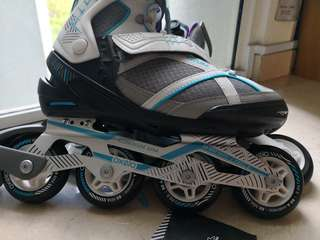 Clearance ❇️Oxelo in-line skates (female) with bag