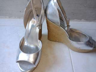 Preloved Fiona Night Wedges