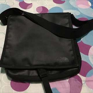 The Northface Messenger Bag