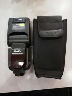 Meike mk900 speedlight