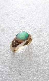 14k585 gold opal ring