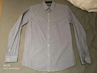 Blue checkered collar shirt