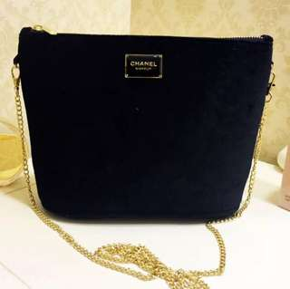 Chanel Crossbody bag (專櫃贈品)