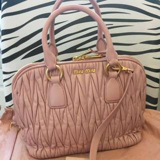 Miumiu lambskin handbag 手袋