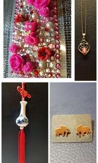 🛍贈。小舖買4樣or金額達400元免費挑一樣。青花瓷、古董項鍊、大象耳環、浮雕貼紙