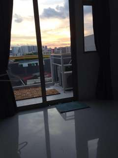 Low rental penthouse for expats/students working/studying near CBD or Town