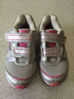 Reebok Girl Sport Shoes