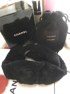Chanel headband with pouch