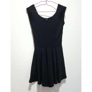 Pretty Black Skater Pleated Dress